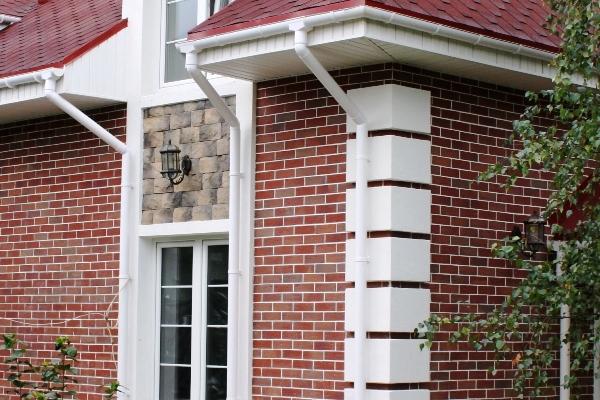 Наружная отделка фасадов клинкерной плиткой и искусственным камнем